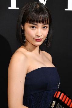Suzu Hirose [Playing Lita Smithsonian in Zaldizko] Beautiful Japanese Girl, Japanese Sexy, Japanese Models, Japanese Beauty, Beautiful Asian Women, Asian Beauty, Japanese Makeup, Natural Beauty, Asian Models Female