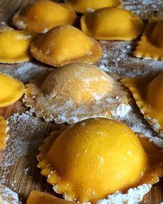 Ravioli fatti in casa: impasto, forme e ripieni - SICILIANI CREATIVI IN CUCINA Pretzel Bites, Bread, Shape, Brot, Baking, Breads, Buns