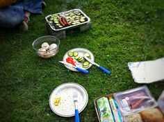 Picknick  #Osnabrück #Germany #grass #food #foodporn #foodie #foodpicoftheday #foodpic #foodgasm #instafood #yummie #summer #outdoors #nature #meal #leisure #picnic #healthy #health #wood #lunch #leaf #dinner #lawn #garden #apple #cooking
