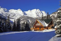 The Red Eagle Lodge sees lots of snow days — and it looks absolutely perfect among the drifts.