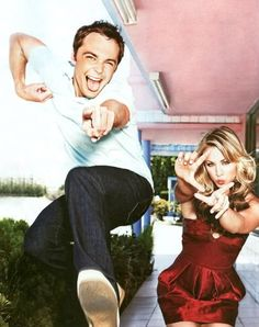 Jim Parsons (Sheldon) & Kaley Cuoco (Penny) from Big Bang Theory . Fun show Jim Parsons, Christian Grey, The Big Bang Theroy, Pretty People, Beautiful People, The Big Theory, Thats 70 Show, Chuck Bass, Hollywood