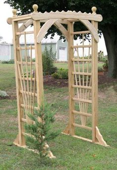 different type of top, trellis side Trellis Gate, Wooden Garden Benches, Garden Arbor, Outdoor Pergola, Beach Cottages, Gardening Tips, Landscaping, Diy Crafts, Outdoor Structures