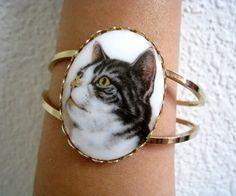 vintage CAT Bracelet. #cat http://pinterest.com/ahaishopping/