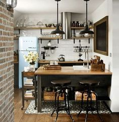Modern meets traditional in this cute corner kitchen.