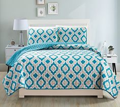 Looking bedroom decoration photos... Fancy Collection 3pc Bedspread Bed Cover Revirsable Beige White Turqouise/Teal New#68 (Full/Queen)  http://aluxurybed.com/product/fancy-collection-3pc-bedspread-bed-cover-revirsable-beige-white-turqouiseteal-new68-fullqueen/