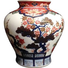 Fantastic Japanese Vintage 有田 Arita Porcelain Vase of Tetsuzan Kiln