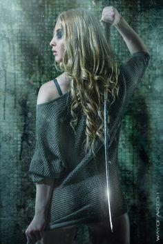 girl with sword by Jurek Gralak, via Behance Female Samurai, Corel Painter, Luis Royo, Warrior Girl, Image Editing, Digital Image, Creative Art, Sword, Photoshop