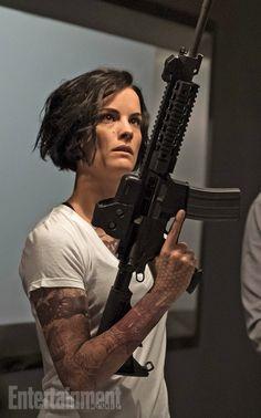 Jaimie Alexander as Jane Doe - Blindspot. Jaimie Alexander, Blindspot Tv, Doe Tattoo, Epic Tattoo, Geometric Tatto, Geometric Shapes, Lady Sif, Military Girl, Badass Women