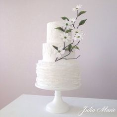 A White Wedding With Dogwood Blossoms A White Wedding With Dogwood Blossoms I wanted to incorporate a few of my favorite things into the cake. Simple white lace, delicate white... #branch #twigs #fall #cakecentral