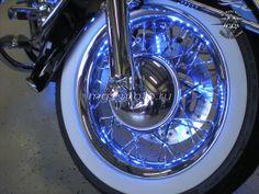Harley-Davidson Softail с подсветкой дисков