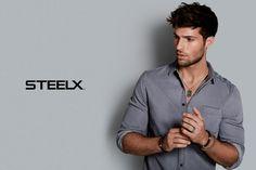 Pour les hommes aussi nous avons de magnifiques bijoux en acier inoxydable. Venez les découvrir dès maintenant ! Mens Tops, T Shirt, Fashion, Stainless Steel Jewelry, Men Styles, Men, Tee, Moda, La Mode