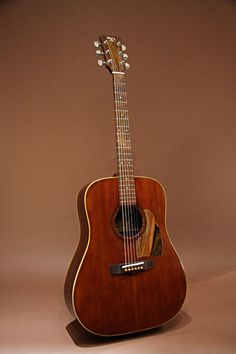 TAMA TG-190 (1970's) : TAMA, well known as drums brand in Japan, used to make guitars in 1970's. This is a flagship model with Brazilian rosewood fingerboard, bridge and pick guard. Spruce top, Rosewood back & sides.