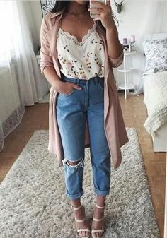 Light Blue Buttons Pockets Zipper Cut Out Casual Long Jeans 45 Perfect Spring Outfits to Copy Now / 10 Mode Outfits, Outfits For Teens, Fashion Outfits, Womens Fashion, Stylish Outfits, Jeans Fashion, Fashion Trends, Spring Outfits For Teen Girls, Fashion Ideas