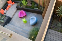 A meditative landscape design created for harsh coastal conditions - Designhunter - Sustainable Architecture with Warmth & Texture Small Yard Design, Patio Design, Garden Design, Outdoor Paving, Outdoor Landscaping, Modern Landscaping, Small Gardens, Outdoor Gardens, Outdoor Garden Furniture