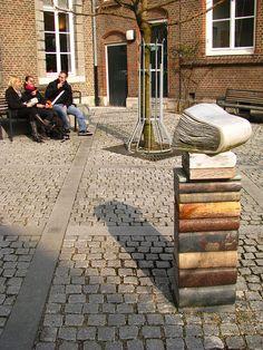 Book sculpture - #BookArt #Sculptures #AlteredBooks #Photographs #BookDesign #BookPaper #BookSculptures #Installation #RecycledBook #Bookish