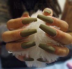 Short Green Hair, Manicure Y Pedicure, Nail Ideas, Nails, Beauty, Ballerina Nails, Enamels, Vestidos, Colorful Makeup