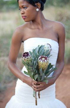 Protea bridal bouquet | Corette Faux Photography | see more on: http://burnettsboards.com/2015/06/green-south-african-protea-bridals/