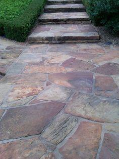 21-fantasticas-maneras-para-incluir-piedra-laja-en-el-patio (3) - Curso de Organizacion del hogar