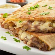 THIS LOOKS DELICIOUS! This bean and cheese quesadilla recipe is a great meal when you are in a hurry. Bean and Cheese Quesadilla Recipe from Grandmothers Kitchen. Mexican Dishes, Mexican Food Recipes, Vegetarian Recipes, Cooking Recipes, Healthy Recipes, Ethnic Recipes, Weekly Recipes, Vegetarian Dinners, Batch Cooking