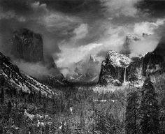 Fotografie  1921 1967 - Collezione privata Fam. Manfrotto, Clearing Winter Storm, Yosemite National Park, California, � Ansel Adams, Fonte: fotochepassione.com . libreriamo.it