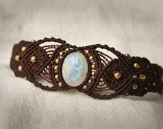 Monstein bracelet avec perles en laiton. Très résistant, lavable. Taille réglable. Photo en bleu sarcelle, autres couleurs sur demande.