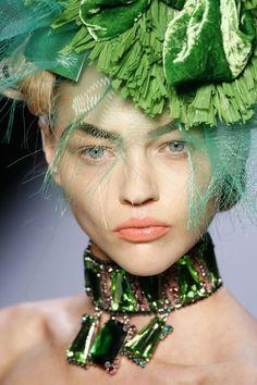 Green Palette, John Galliano, Shades Of Green, Christian Dior, Ready To Wear, Fashion Show, Beautiful Women, Vogue, Model