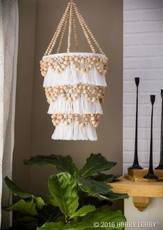 Get the coastal boho look that has you feeling like everyday is a beach day! Decor Crafts, Diy Home Decor, Diy And Crafts, Macrame Projects, Diy Projects, Diys, Do It Yourself Baby, Beaded Chandelier, Chandeliers