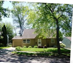 **SALE PENDING**  3809 E 23rd St Sioux Falls, SD $134,900  MLS 21202187 Come and see where old character and charm meets new!This 1.5 Story is situated in popular east side neighborhood and has a completely redone Kitchen, new furnace, new roof, newer central air, and many more updates!This charmer boasts 5 bedrooms,with a large Master bedroom, both bathrooms have ceramic tile!  Lisa Touney  (605) 310-1162