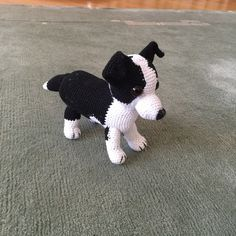 Häkelanleitung Border Collie Vegan Mac And Cheese, Crochet Toys, Free Food, Boston Terrier, Crochet Patterns, Dogs, Border Collies, Animals, Clay Charms