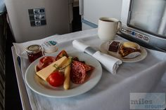 Afternoon Tea - Check more at https://www.miles-around.de/trip-reports/business-class/across-the-water-on-a-747-calling-america/,  #747-400 #avgeek #Boeing #BritishAirways #Flughafen #JFK #LHR #Lounge #Trip-Report