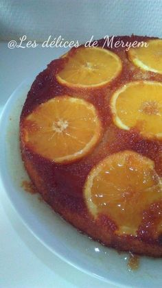 Ingredients : Pour le caramel: 100 g de sucre 1 cuillère à soupe d'eau Pour le gâteau : 4 oranges ou selon la taille 2 oeufs 1/2 verre de sucre 1/2 verre d'huile de tournesol 1/2 verre de lait 1 sachet de sucre vanille 1 sachet de levure chimique 1 verre...