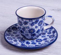 SET TAZA CITY MOKA CON PLATO DESIRE BLUE Handmade with love. Este producto ha sido elaborado y pintado a mano por expertas artesanas. Doble cocción a 1300ºC única en el mundo, brillo y dureza extraordinarios en el uso diario. #taza #handmade #deco #hogar#cocina #tazas #café #coffe #pottery #artesanal #ceramica