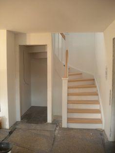 Abstellkammer unter der Treppe Storage room under the stairs Room Under Stairs, Basement Stairs, House Stairs, Toilet Under Stairs, Basement Ceilings, Basement Ideas, Stair Storage, Storage Room, Storage Area