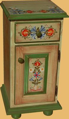 Norwegian Rosemaling, Hand Painted Furniture, Decoupage, Retro, Painting On Wood, Home Art, Diy And Crafts, Decorative Boxes, Art Deco