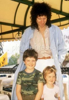 Brian May with son Jimmy & daughter Louisa www.pictorialpress.com