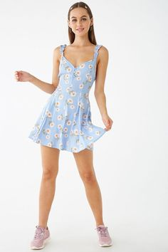 Forever 21 is the authority on fashion & the go-to retailer for the latest trends, styles & the hottest deals. Shop dresses, tops, tees, leggings & more! Girly Outfits, Trendy Outfits, Summer Outfits, Cute Outfits, Sports Day Outfit, Short Summer Dresses, Super Cute Dresses, Womens Fashion, Fashion Trends