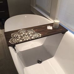 Bath tub tray diy home decor ideas Bath Tray Caddy, Bathtub Caddy, Bathtub Tray Wood, Bathtub Table, Bathtub Shelf, Pinterest Bathroom, Rustic Bathtubs, Ideas Baños, Bath Board