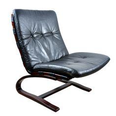 """Easy Chairs """"Kengu"""" von Elsa & Nordahl Solheim für Rykken in schwarzem Leder"""