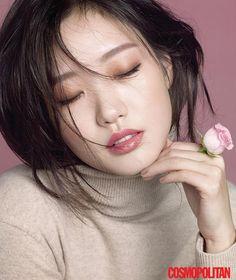 New_Beauty_Queen_Kim_Go_Eun_For_December_Cosmopolitan_3_.jpg (539×640)