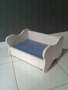 Cama para cachorro Wood Dog Bed, Bed Stand, Tree Bed, Yorkie Puppy, Pet Furniture, Animal House, Pet Beds, Animal Design, Animals And Pets