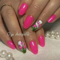 Маникюр розовые тюльпаны.
