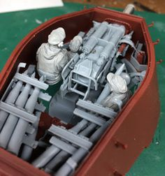 The Modelling News: Stalingrad's new Tiger II set of crew burst into action in 35th scale