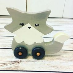 I have to share a custom order with you all  Light Gray Fox Wheelie ❤️❤️❤️ love this so much, I am going to list this option in the shop  what do you guys think? #toddlertoy #woodentoys #madeinoregon #babystyle #babygirl #babyboy #toyshop #toysforkids #toysforsale #toysforgirls #toysforboys #loveit #etsyshop #etsysellersofinstagram