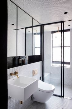 Small Home Interior Longwood Apartment by Studio Prineas.Small Home Interior Longwood Apartment by Studio Prineas Small Bathroom Interior, Simple Bathroom, Modern Bathroom, Light Bathroom, Design Bathroom, Bathroom Ideas, Luxury Interior Design, Modern Interior, Interior Architecture