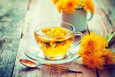 Here are 8 health benefits of dandelion tea. Dandelion tea is rich in vitamin A, C and D. It has long been used in herbal medicine. Dandelion Tea Benefits, Dandelion Root Tea, Dandelion Leaves, Dandelion Flower, Cleanse Your Liver, Burn Stomach Fat, Natural Cold Remedies, Tea Recipes, Drink Recipes