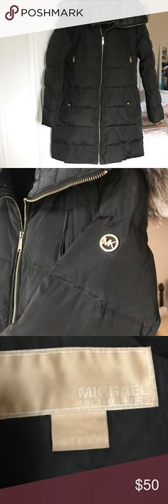 """Michael Kors size M winter coat MK size M ladies winter down alternative coat! Dark olive green and gold hardware, great condition. I am bw 5""""7 / 5""""8 and coat comes down to knee length. SUPER warm! Fur hood is optional, it can detach! Michael Kors Jackets & Coats Puffers"""
