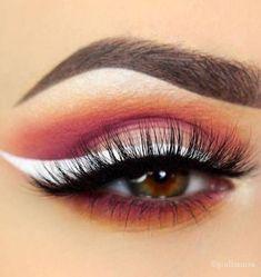 10 Hot White Eyeliner Ideas #SimpleEyeliner Eyeliner Hacks, Top Eyeliner, Black Eyeliner, Winged Eyeliner, Pencil Eyeliner, Eyeliner Ideas, Perfect Eyeliner, Mascara Tricks, Makeup Eyes