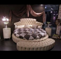 Luv this round bed♡♡