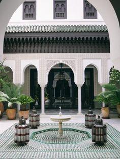 Morocco Travel Inspiration - La Mamounia, Marrakech - The Londoner Interior Exterior, Home Interior, Exterior Design, Moroccan Design, Moroccan Decor, Islamic Architecture, Architecture Design, Gothic Architecture, Mamounia Marrakech