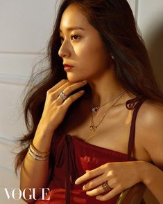 f(x)'s Krystal Shows Her Sultry Beauty with 'Vogue' Magazine Krystal Jung 2017, Krystal Jung Fashion, Krystal Fx, Jessica & Krystal, Jessica Jung, Vogue Korea, Korean Beauty, Asian Beauty, Camille